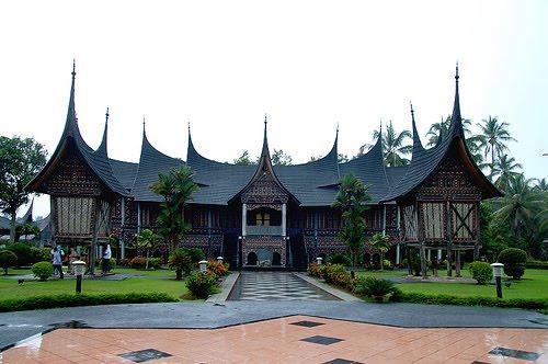 rumah gadang posted in rumah adat on agustus 14 2009 by xdesignmw